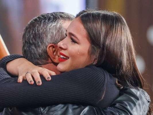 Bruna Marquezine surpreendeu o pai, Telmo, com festa surpresa nesta segunda-feira, 15 de abril de 2019, em sua mansão na Barra da Tijuca, Zona Oeste do Rio