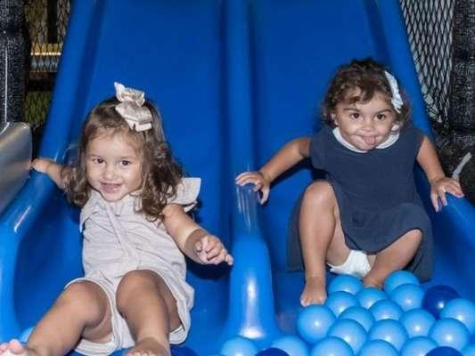 Filha de Yanna Lavigne e Bruno Gissoni, Madalena se divertiu no aniversário de 5 anos do primo, Joaquim, em casa de festas na Barra da Tijuca, Zona Oeste do Rio, nesta quarta-feira, 17 de abril de 2019