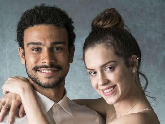 Sophia Abrahão gravou vídeo na cama com o namorado, Sérgio Malheiros, após colocar silicone nos seios: 'Estou recuperando. Não tem incômodo'