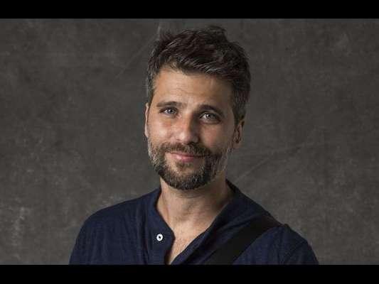 Nos próximos capítulos da novela 'O Sétimo Guardião', Gabriel (Bruno Gagliasso) vai ficar incomodado com a relação de Luz (Marina Ruy Barbosa) e Júnior (José Loreto).