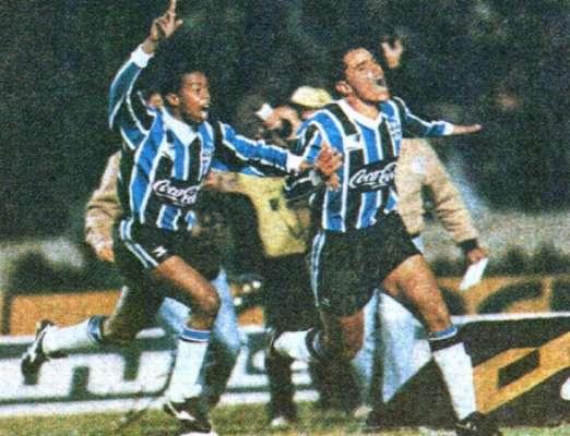 Dener chegou ao Grêmio em maio de 1993