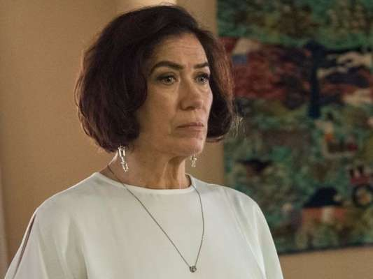 Na novela 'O Sétimo Guardião', Valentina (Lília Cabral) vai atirar em Sampaio (Marcello Novaes) após planejar a morte de Olavo (Tony Ramos) e vai parar na cadeia.
