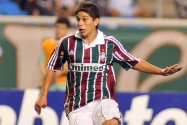 Confira imagens de Conca com a camisa do Fluminense