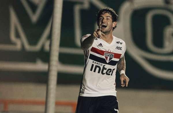 O São Paulo derrotou o Goiás por 2 a 1, no Serra Dourada, pela segunda rodada do Brasileirão. O principal jogador da equipe foi Alexandre Pato, que fez o primeiro gol e foi bastante presente na partida; Garotos Toró e Antony também brilharam. (notas por Jonatas Pacheco)