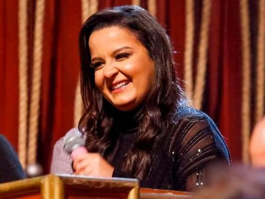 Maiara mandou recado da irmã, Maraisa, para Danilo Gentili no programa 'The Noite'