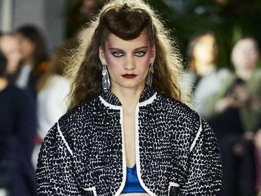 Louis Vuitton tem desfile com cores vibrantes, bermuda de alfaiataria e a volta do balonê, confira!