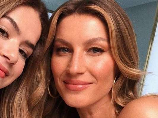 Maisa Silva e Gisele B6undchen se encontraram e a adolescente compartilhou foto do momento para seus mais de 22 milhões de seguidores no Instagram, nesta quinta-feira (09).