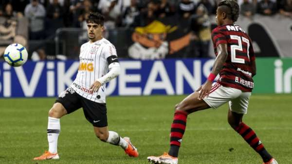Corinthians x Flamengo / Fagner e Bruno Henrique