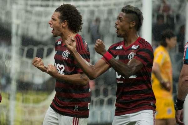 Com gol de Arão, o Flamengo venceu o Corinthians por 1 a 0, na Arena, e largou bem na Copa do Brasil. A equipe carioca joga por um empate na volta, no Maracanã, para avançar às quartas de final. Veja as notas por Paulo Victor Reis (reporterfla@lancenet.com.br).