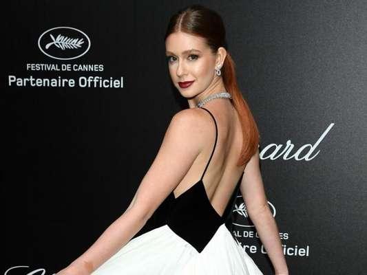 Marina Ruy Barbosa usa look elegante em Cannes