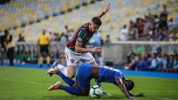 O Cruzeiro teve uma atuação abaixo da média diante do Fluminense neste domingo, no Maracanã. A Raposa sofreu uma goleada de 4 a 1, em partida válida pelo Campeonato Brasileiro. Um dos poucos destaques celestes foi Robinho.