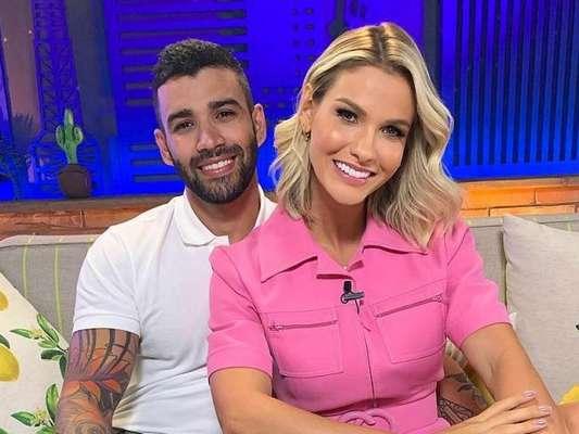 Andressa Suita prestigiou a família de Gusttavo Lima em look cheio de trends nesta terça-feira (11).