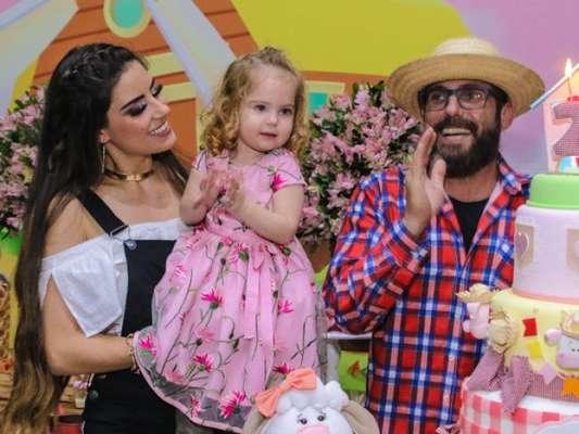 Sertanejo Hudson, parceiro de Edson, fez festa de aniversário para comemorar 2 anos da filha caçula, Helena