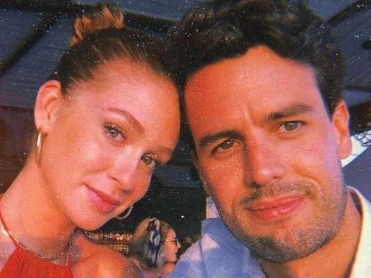 O marido de Marina Ruy Barbosa contou para o mundo o sentimento de estar todos os dias ao lado da atriz em post no Instagram, nesta quarta-feira (12).
