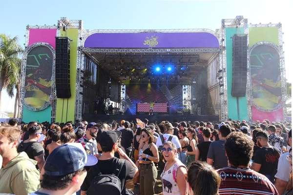 Festival João Rock leva fãs de todos os cantos do Brasil para curtir um dia de muito rock em Ribeirão Preto