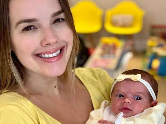 Thaeme Mariôto mostra encontro da filha com o primo neste domingo, dia 16 de junho de 2019
