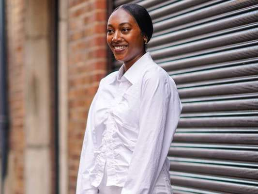 Camisa branca: confira 5 jeitos descolados de usar a peça!