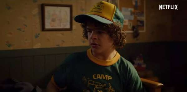 Dustin - Camiseta usada por Dustin será vendida em lojas da Levi's