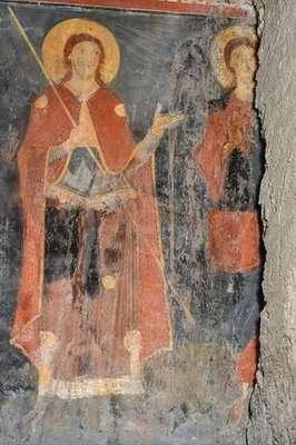 Afresco medieval encontrado em igreja de Roma