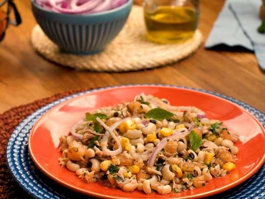 Salada de atum com feijão fradinho