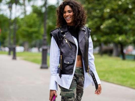 Calça cargo está na moda novamente, confira dez looks para se inspirar a usar