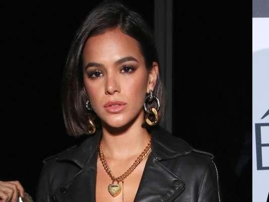 Bruna Marquezine é flagrada deixando restaurante com Younes Bendjima em Los Angeles