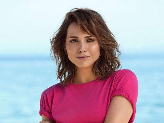 Leticia Colin aproveitou o fim das gravações do seriado 'Onde Está Meu Coração?' para fazer uma homenagem ao Fabio Assunção
