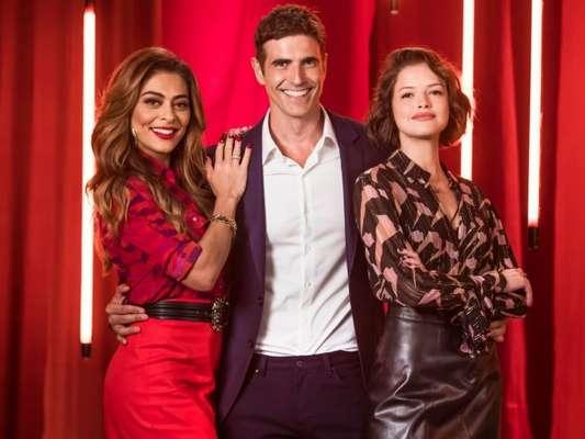 Régis (Reynaldo Gianecchini) e Josiane (Agatha Moreira) convencem Maria da Paz (Juliana Paes) de comprar a mansão na novela 'A Dona do Pedaço'