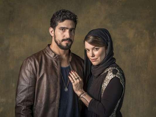 Jamil (Renato Góes) e Dalila (Alice Wegmann) se casam na novela 'Órfãos da Terra'