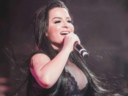 Maiara e Maraisa brincam nos bastidores de show e citam Marina Ruy Barbosa neste domingo, dia 28 de julho de 2019
