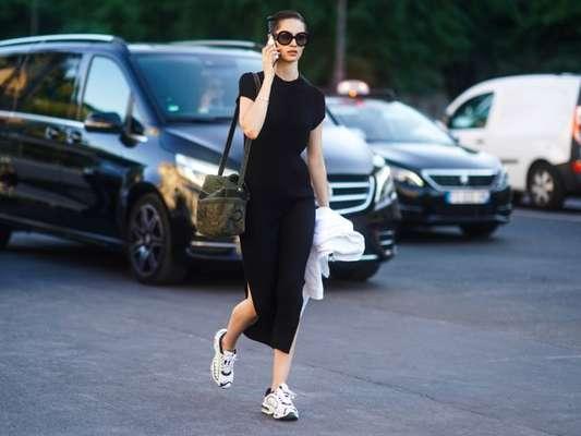Peças que nunca saem de moda: o vestido preto é um tem-que-ter no closet de toda mulher