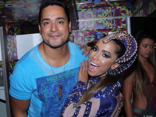 Anitta defende Xanddy do 'Harmonia' de acusação por preconceito religioso