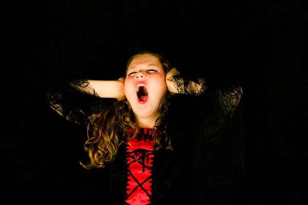 Um deslocamento de mandíbula pode ocorrer durante um movimento rotineiro como bocejar, você sabia? Por isso fique tranquilo que esse é um problema muito comum.