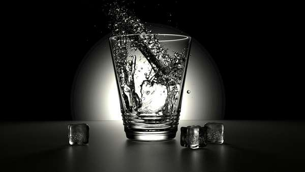 Hidrate-se: beber água faz bem para o corpo todo, mas para porta de entrada, sua boca, faz ainda mais. Ingerir bastante o líquido ajuda a estimular a produção de saliva.