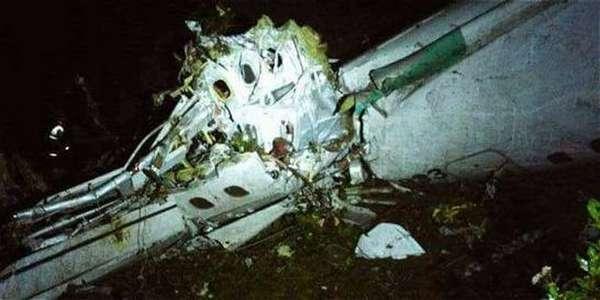 Destroços do avião - Primeiras imagens do avião após cair na Colômbia foram assustadoras.