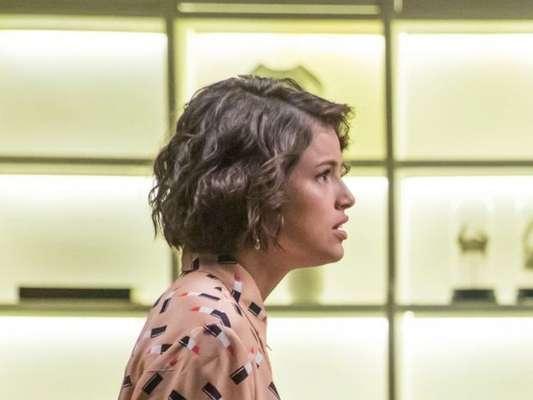 Nos próximos capítulos da novela 'A Dona do Pedaço', Josiane (Agatha Moreira) arma vingança contra Régis (Reynaldo Gianecchini) após levar fora do playboy: 'Te odeio!'