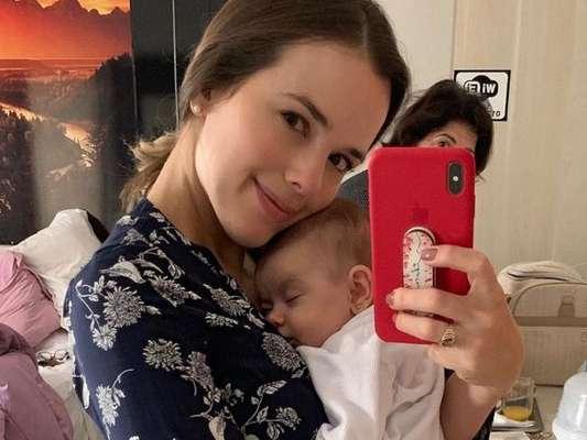 Thaeme Mariôto ensinou aos seus seguidores uma técnica que usou para a filha, Liz, dormir