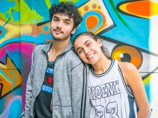 Eugênia (Helena Fernandes) descobre que Gabriela (Giovanna Coimbra) é filha de Paloma (Grazi Massafera) e expulsa a jovem de sua casa na novela 'Bom Sucesso'