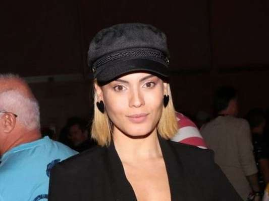 Letícia Lima vive romance com o diretor de novelas Thiago Teitelroit, segundo a coluna 'Retratos da Vida', do jornal 'Extra'