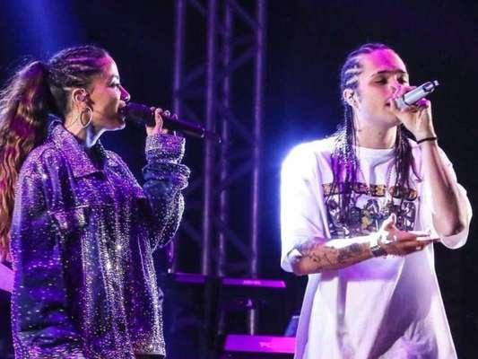Anitta ganhou colo de Vitão antes de estreia no Rock in Rio, neste sábado, 5 de outubro de 2019