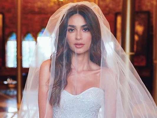 Thaila Ayala usa vestido exclusivo Martu em casamento com Renato Góes em Pernambuco, em 5 de outubro de 2019