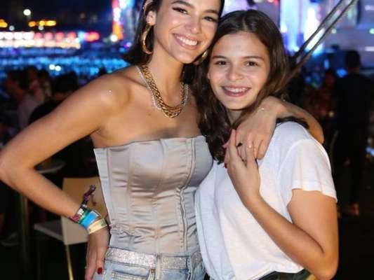 Bruna Marquezine levou a irmã, Luana Marquezine, para curtir o Rock in Rio