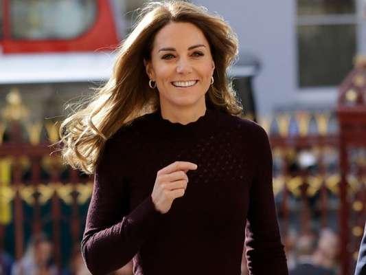 Kate Middleton usa look grifado para evento nesta quarta-feira, dia 09 de outubro de 2019