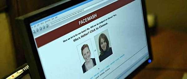 Prólogo - Em 28 de outubro de 2003, Mark Zuckerberg lança o Facemash, um predecessor do Facebook. Usando fotos do sistema de alunos de Harvard, o site pedia aos usuários que escolhessem qual era a garota mais 'atraente' entre duas opções.