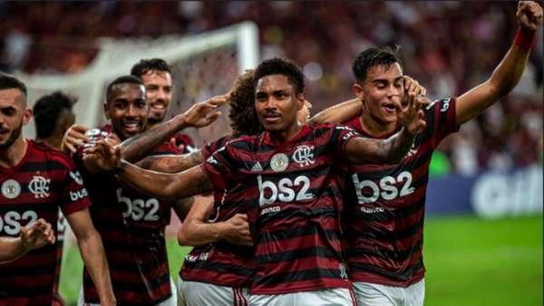 Veja imagens de Flamengo 3 x 1 Atlético-MG