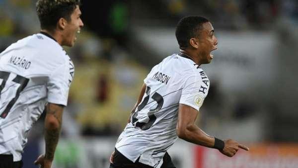 Veja imagens de Fluminense 1 x 2 Athletico