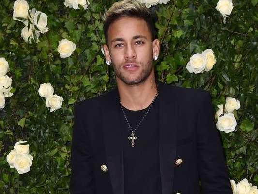 Corpo de modelo, apontada como nova amada de Neymar, é elogiado em foto na praia neste domingo, dia 20 de outubro de 2019