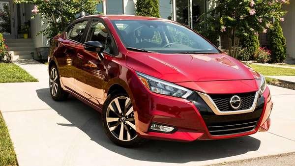 Nissan Versa vendido nos EUA.