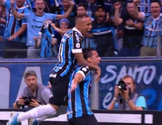 Grêmio x Internacional - comemoração de gol