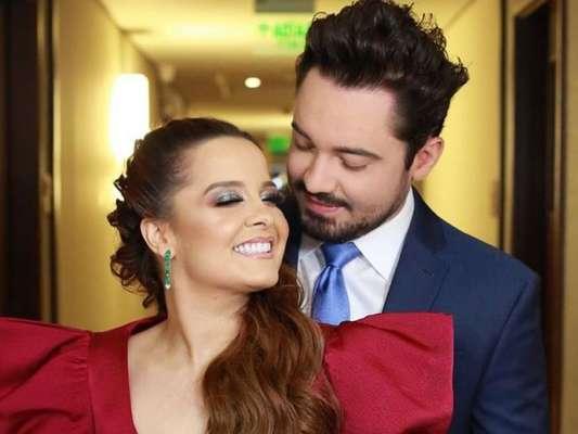 Maiara e Fernando combinam looks em casamento de Zé Neto nesta terça-feira, dia 05 de novembro de 2019